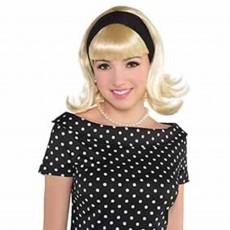 Feeling Groovy & 60's Sandy Dee Wig Head Accessorie